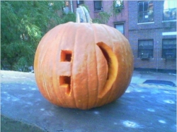 Halloween emoticon pumpkin